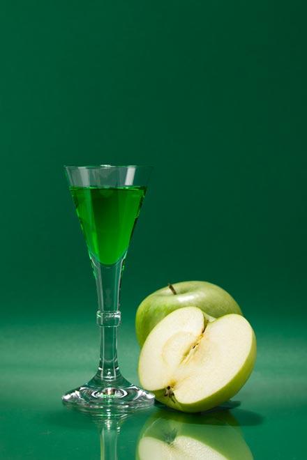 Produktfotografie Cocktail mit grünem Apfel